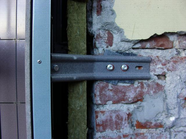 Пример крипления вентелируемого фасада с помощью заклепок