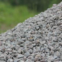 Kupit-granitnyj-shheben-s-dostavkoj-v-SPB-1
